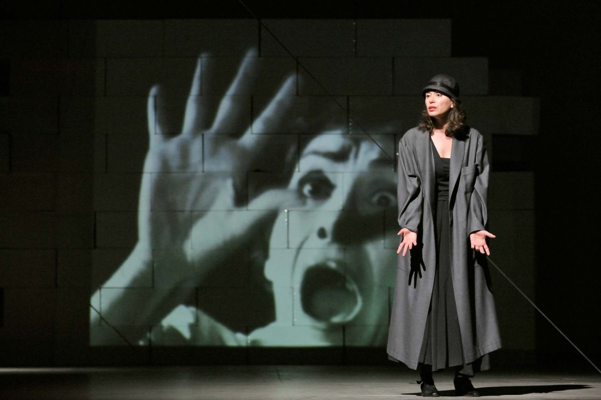 Actress Jeanette Spassova in *Mord im Burgtheater*, director Ivan Stanev (Berlin, 2009). Photo © Aris Fotografie