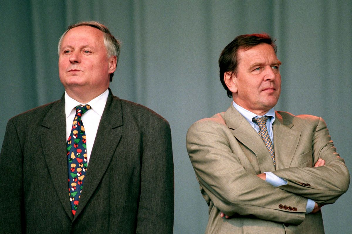 Oskar Lafontaine, Minister President of Saarland, and Gerhard Schröder, Minister President of Lower Saxony (Berlin, 1995). Photo © Aris Fotografie