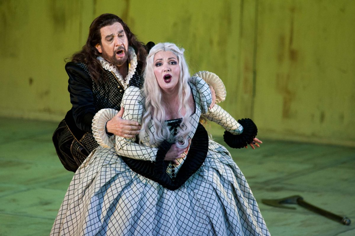 Placido Domingo and Anna Netrebko in the opera *Il trovatore*, director Philipp Stölzl (Berlin, 2013). Photo © Aris Fotografie