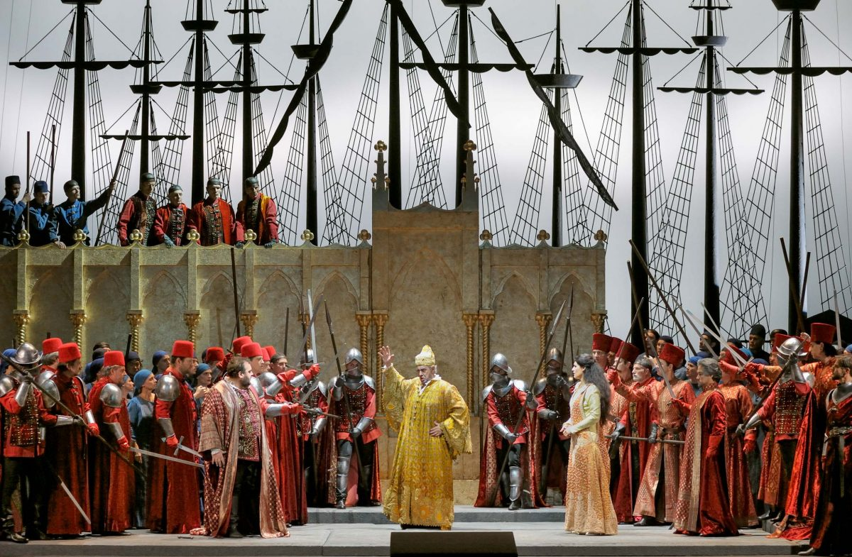 Placido Domingo in the opera *Simon Boccanegra*, director Federico Tiezzi (Berlin, 2009). Photo © Aris Fotografie