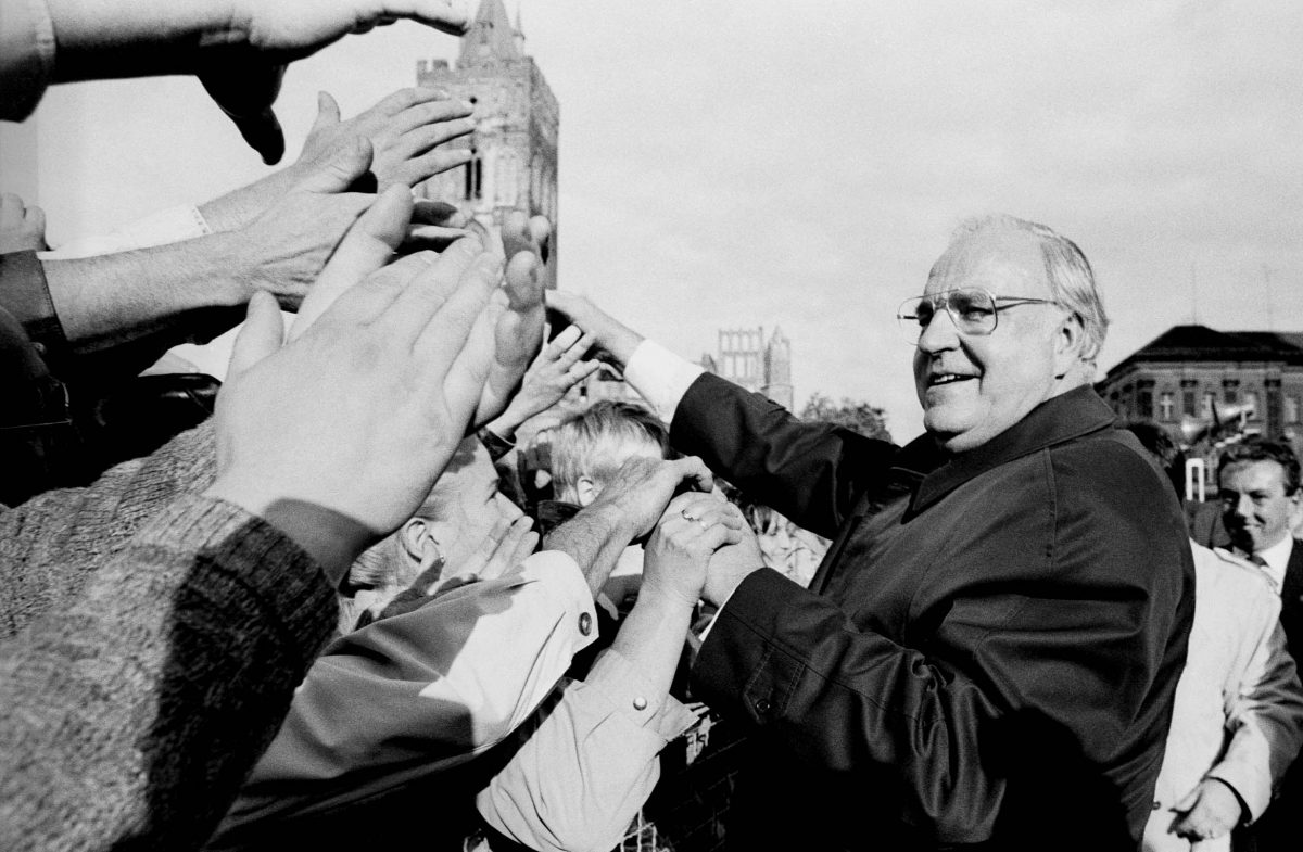 Helmut Kohl, Chancellor of the Federal Republic of Germany in the German Democratic Republic (Frankfurt/O., 1990). Photo © Aris Fotografie
