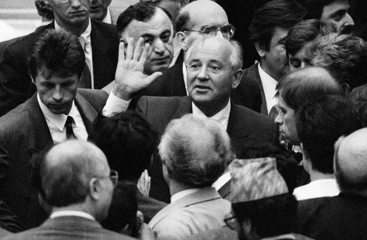Mikhail Gorbatchev, former President of the Soviet Union, during the 19th Congress of the Socialist International in the Reichstag (Berlin, 1992). Photo © Aris Fotografie